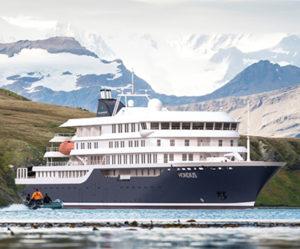 Façade du bateau d'expédition Hondius - région polaire | Les Mondes Polaires