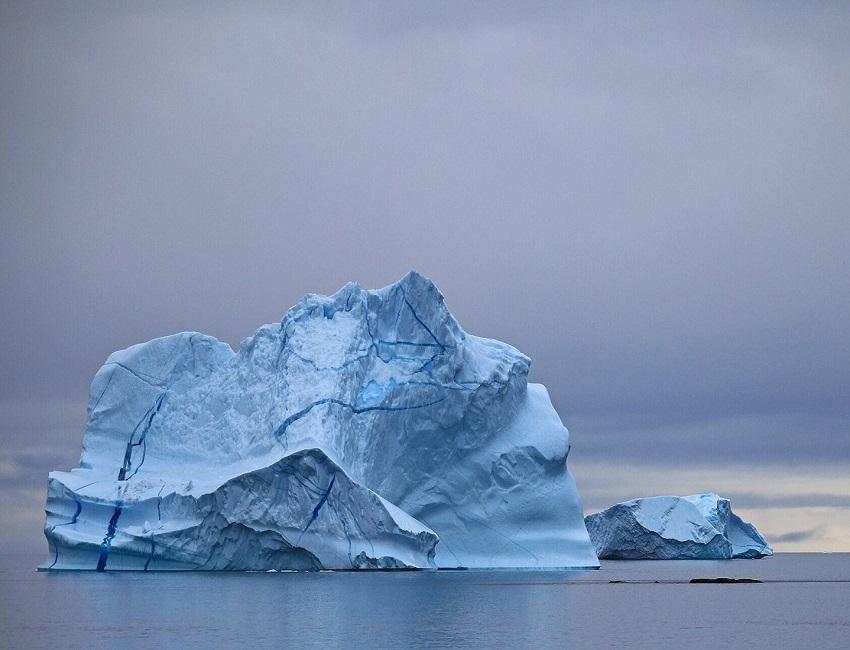 Immense iceberg - Groenland | Les Mondes Polaires