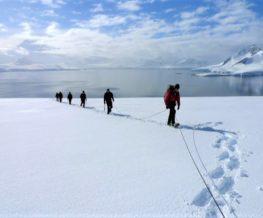 Raquette activite des regions polaires Arctique et Antarctique   Les Mondes Polaires