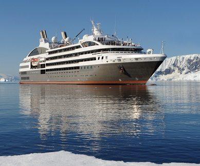 Vue extérieure du bateau d'expédition Austral - Région polaire | Les Mondes Polaires