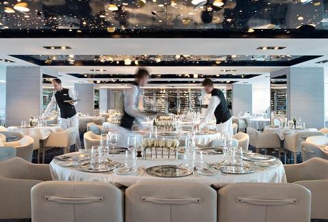 Restaurant du bateau d'expédition Lyrial - Région polaire | Les Mondes Polaires