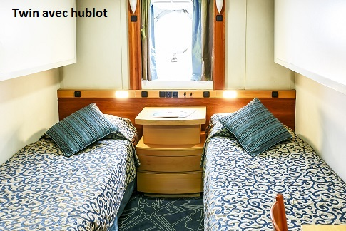 Cabine twin avec hublot du bateau d'expédition Ocean Endeavour - Région polaire | Les Mondes Polaires