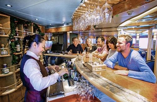 Bar du bateau d'expédition Sea Spirit- Région polaire   Les Mondes Polaires