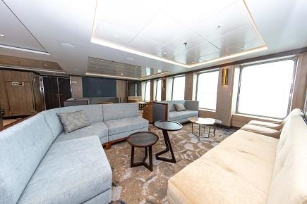 Lounge du bateau d'expédition World Explorer - Région polaire | Les Mondes Polaires