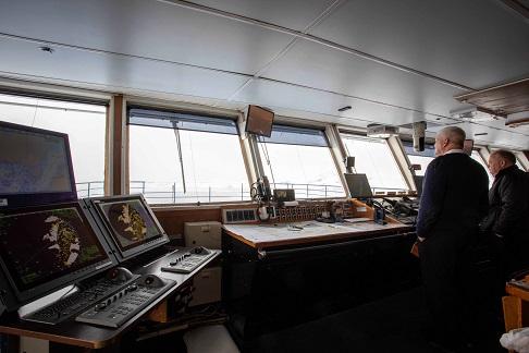 Commandes du bateau d'expédition Ocean Adventurer - Région polaire | Les Mondes Polaires