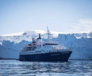 Exterieur du bateau d'expédition Ocean Adventurer - Région polaire | Les Mondes Polaires