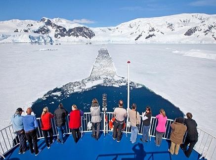 Pont du bateau d'expédition Ocean Nova - Région polaire | Les Mondes Polaires