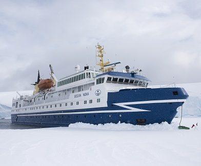Exterieur du bateau d'expédition Ocean Nova - Région polaire | Les Mondes Polaires