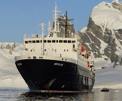 Exterieur du bateau d'expédition Ortelius - Région polaire   Les Mondes Polaires