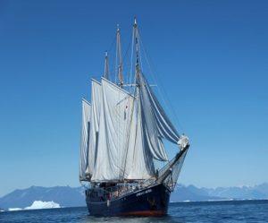 Exterieur du voilier d'expédition Rembrandt - Région polaire | Les Mondes Polaires