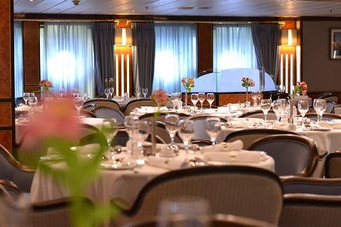 Restaurant du bateau d'expédition Hebridean Sky - Région polaire | Les Mondes Polaires