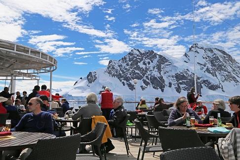 Terrasse du bateau d'expédition Hebridean Sky - Région polaire | Les Mondes Polaires