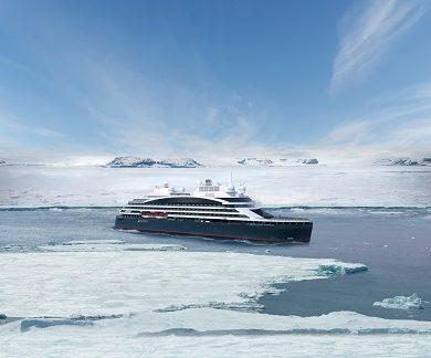 Exterieur du bateau d'expédition Commandnat Charcot - Région polaire | Les Mondes Polaires