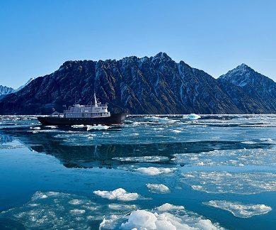 Exterieur du bateau d'expedition Balto - région polaire | Les Mondes Polaires