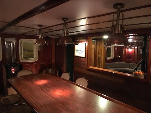 Salle à manger du bateau d'expedition Balto - région polaire | Les Mondes Polaires