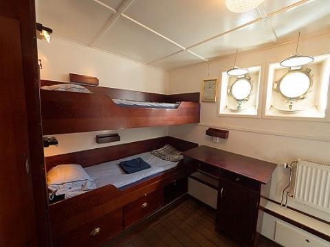 Cabine lits superposés du bateau d'expedition Stockholm - région polaire | Les Mondes Polaires