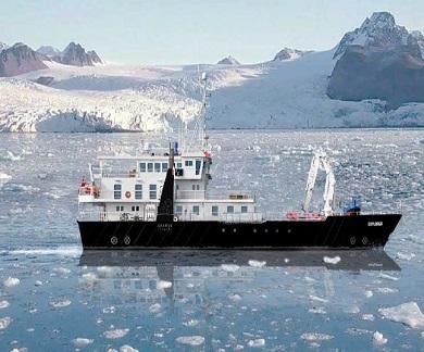 Exterieur du bateau d'expedition Explorer - région polaire | Les Mondes Polaires
